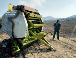 La Guardia Civil investiga al propietario de la empacadora que originó el incendio forestal de Colina